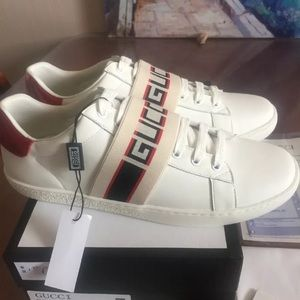 Gucci ace strapped sneakers